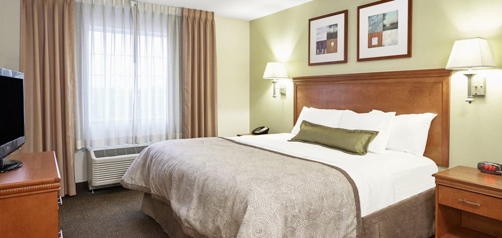 CS Fayetteville guestroom