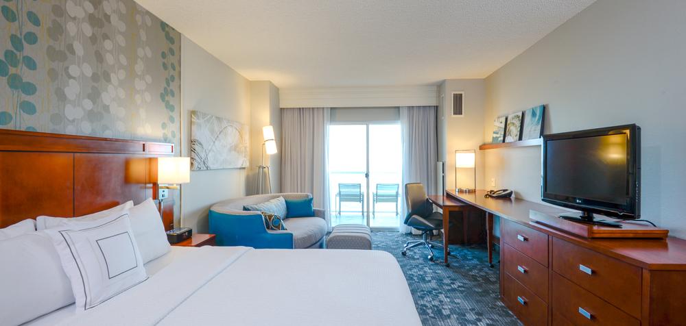 CY Ocean City guestroom