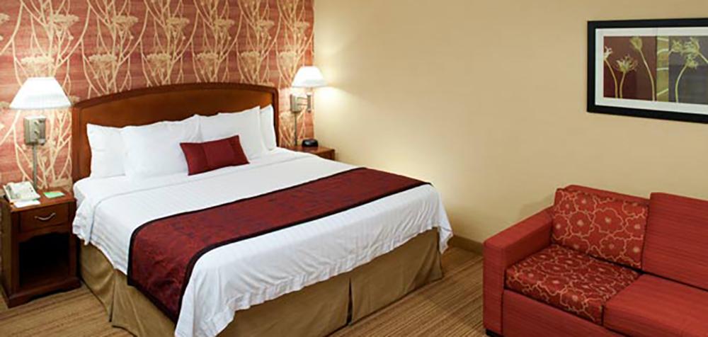 CY Somerset guestroom