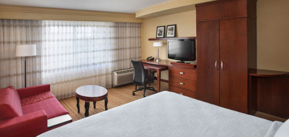 CY West Orange guestroom