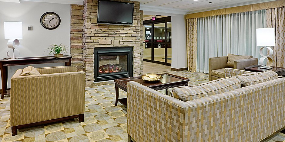 Holiday Inn Express Wilkes Barre Lobby