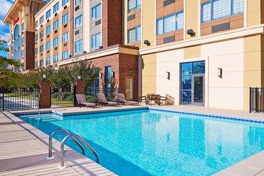 sheraton outdoor pool